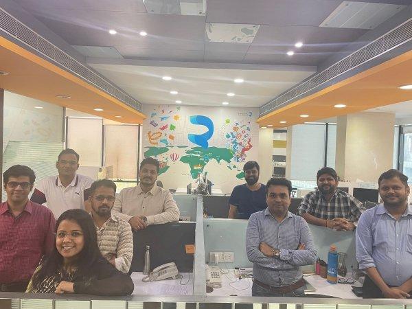Team Picture_Qtech_Office